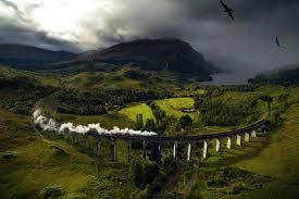 a train going to Glenfinnan