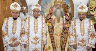 سيامة ثلاثة كهنة لإيبارشية دشنا بيد الانبا تكلا
