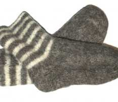 wool-socks-375x258