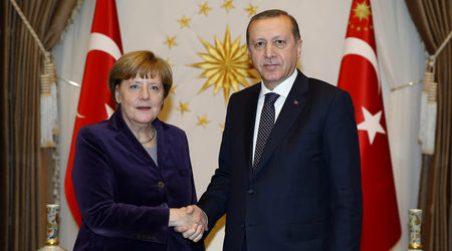 Турция била съгласна да приема обратно от ЕС всички имигранти, които не са от Сирия