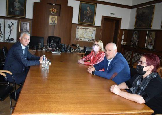 Новият директор на ДАНС Пламен Тончев се срещна с главния прокурор и неговите заместници Даниела Машева и Пламена Цветанова, а прокуратурата посочва, че срещата се е състояла по искане на Тончев, съобщават от прокуратурата.