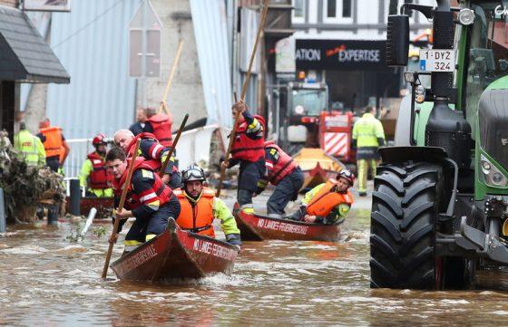Язовирът се счупи в Холандия, стотици се спасиха от наводнение
