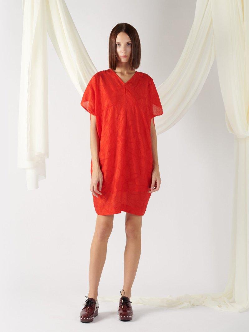 v-neck textured dress in red