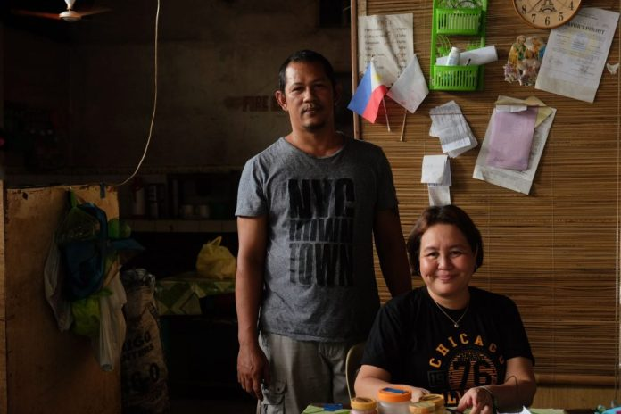 HEIR TO TITA MORITA. Noreen Mahilum's passion for brewing coffee was passed on to her by her aunt, Morita or Morit. She is shown here with her husband, Santiago at the KD's Cafe. | Photo by Lourdes Rae Antenor