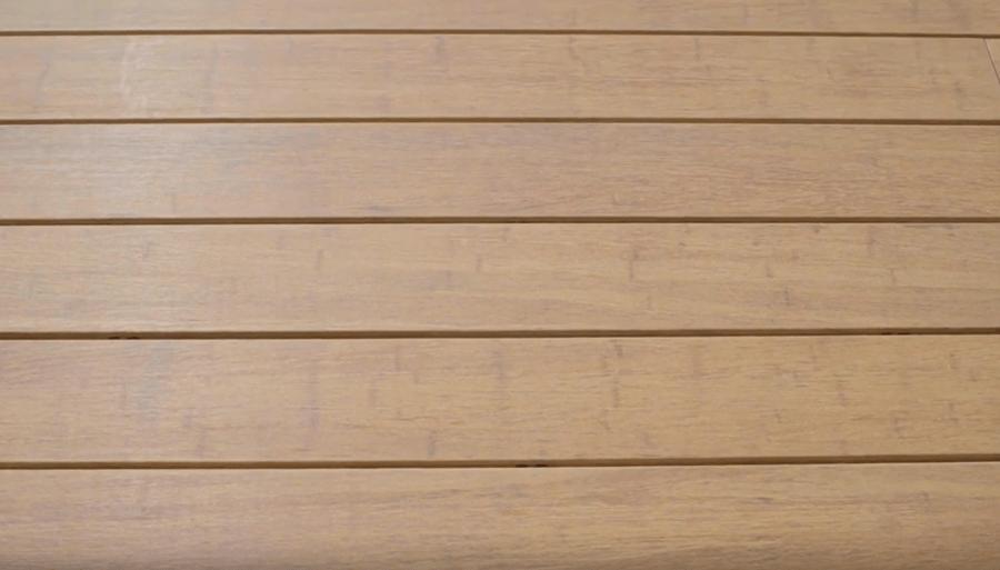 une terrasse en bambou dobbit