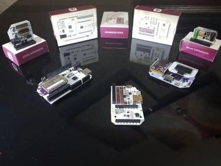 Omega2 e dock Arduino