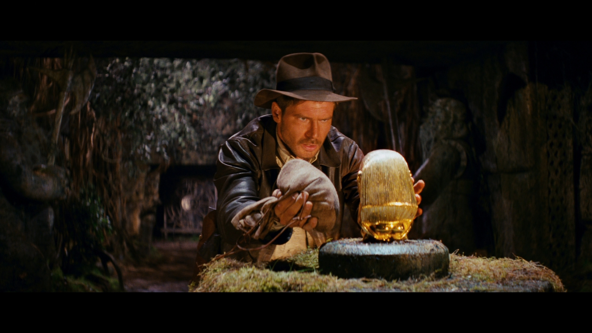 Raiders of the Lost Ark Review - DoBlu com