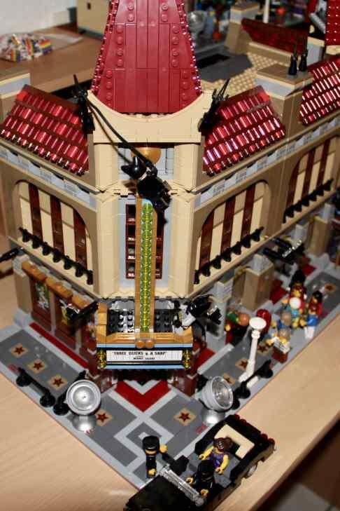 Lego Palace Cinema doppelt mit Doctor Strange Portalbestie 04