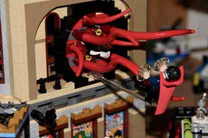 Lego Palace Cinema doppelt mit Doctor Strange Portalbestie 12