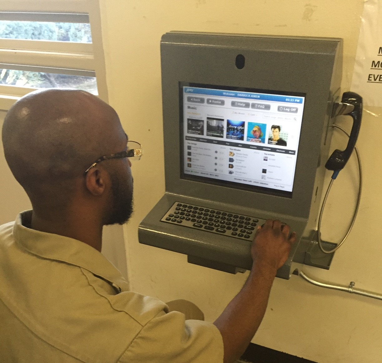 Technology Helps Inmates Maintain Family Ties Washington State Department Of Corrections
