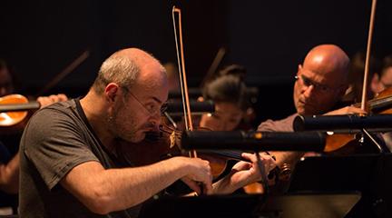 entrevistas Gordan Nikolich, concertino de la Orquesta Sinfónica de Londres y director artístico en la agrupación BandArt