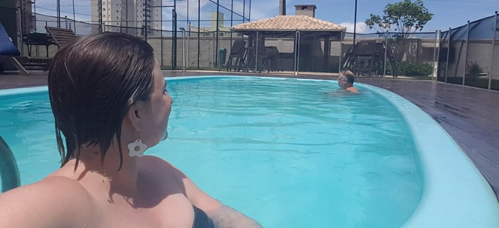 nadar-piscina-samsung-s7