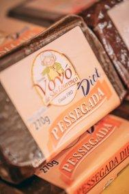 Servir na sobremesa um saboroso doce de pêssego