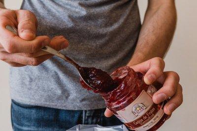 Textura perfeita da geleia com frutas vermelhas