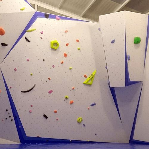 Docrock realizza per voi strutture di arrampicata con le certificazioni richieste