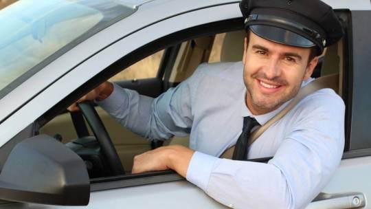Les avantages d'avoir recours à un chauffeur privé