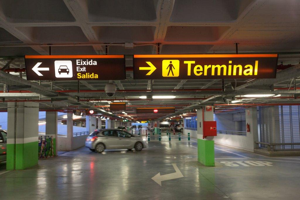 parking sécurisé aéroport