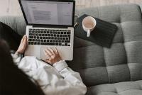 كيف يجعلك المؤلف الضيف رجل أعمال أفضل