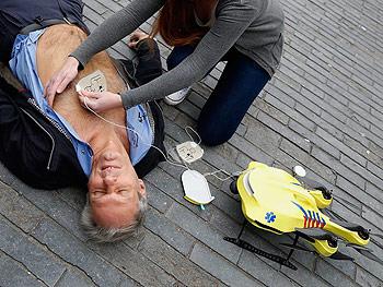 defibrilator drone medical use
