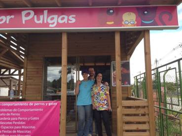 Con la Doctora Gladys en Doctor Pulgas Llanogrande
