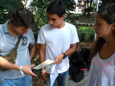Revisando el recorrido de la Caravana Antitaurina en Medellín