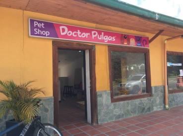 Fachada entrada Doctor Pulgas