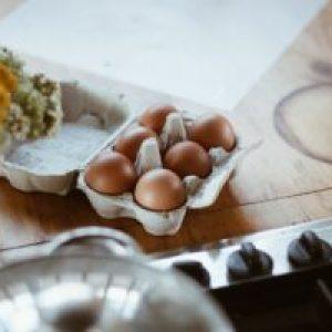 Cum îți dai seama dacă ouăle provin de la găini bolnave. Atenție la aceste aspecte