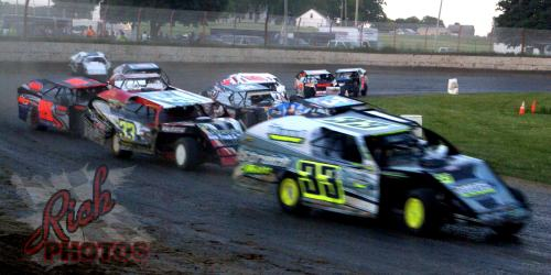 IMCA Modified Feature Race near Beaver Dam WI