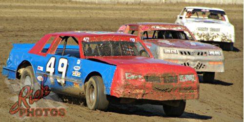 Craig Lepple racing at Dodge County Speedway