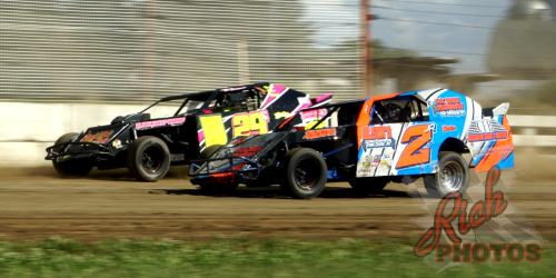 IMCA Sport Mod Racing at the Dodge County Fairgrounds Speedway