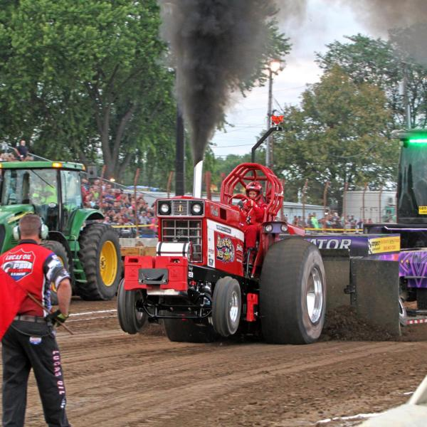 Badger State Tractor Pull introduces new 2WD truck class & action on the big screen