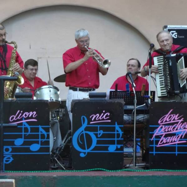 Music by the Don Peachey Band