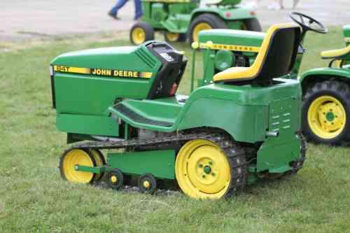 John Deere 84T Minature Lawn and Garden Tractor