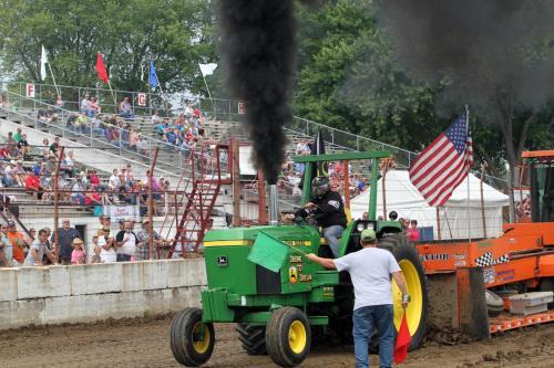 John Deere Diesel Farm Tractor Pull