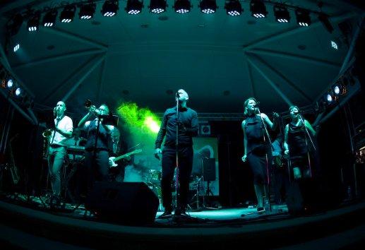 Dodgey Practice Devon Wedding & Party Band 23