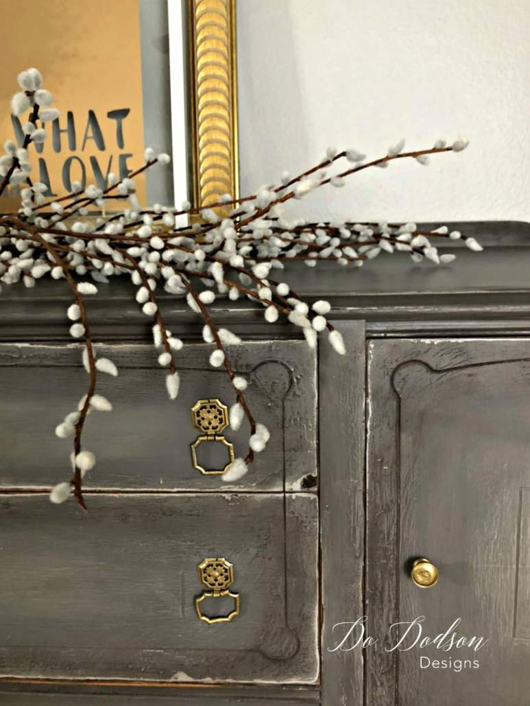 Eye Catching Grey Sideboard That Will Change Your Mind About Paint#dododsondesigns #greysideboard #paintedfurniture #furnituremakeover #diyproject #cracklefinish #weatheredlook