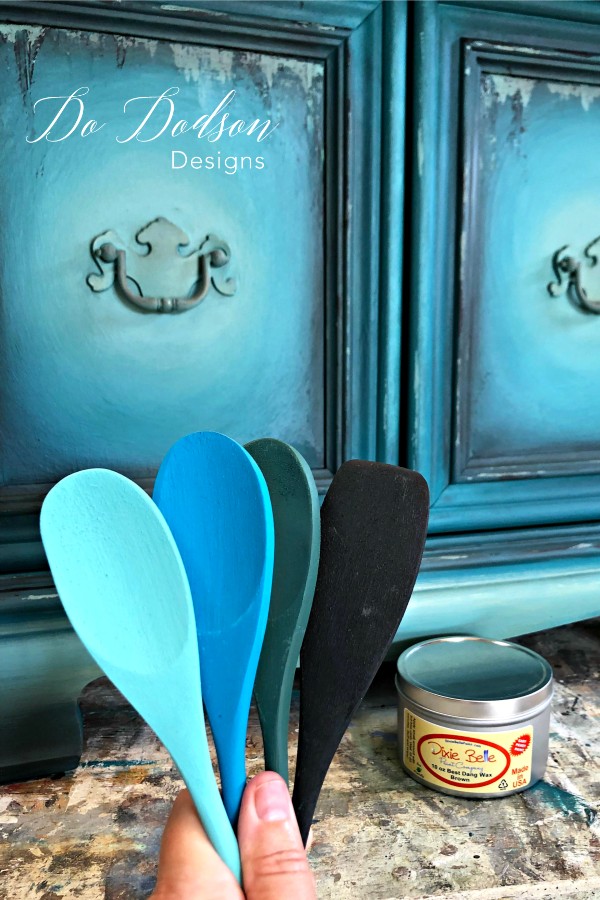 How I Created Different Furniture Paint Colors #dododsondesigns #furniturepaintcolors #paintedtable #handpaintedfurniture #colormixing #mixingpaintcolors #paintedfurniture #furnituremakeover #dixiebellepaint