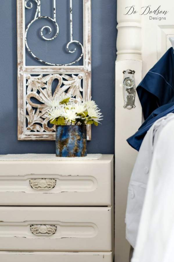 How To Add Amazing Color To Your Bedroom Makeover #dododsondesigns #bedroommakeover #bedroomideas #beddesign #bedroomdecoratingideas #bedroom