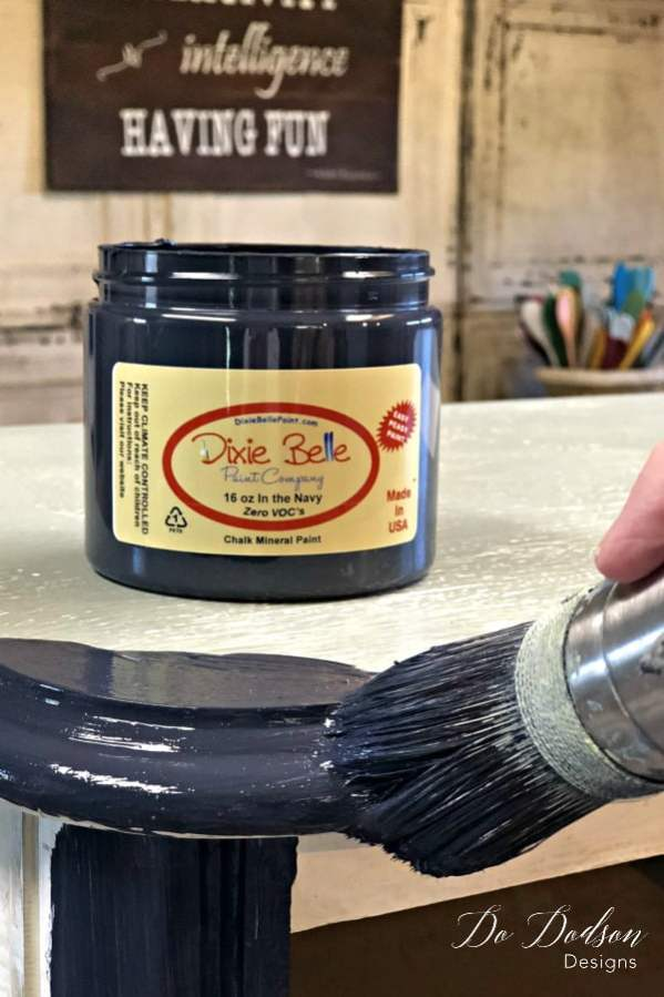 How To Master Blending Paint Like a Pro #dododsondesigns #blendingpaint #colorblending #paintedfurniture #furnituremakeover #diyproject #paintedfurniture #handpaintedfurniture #paintingwoodfurniture