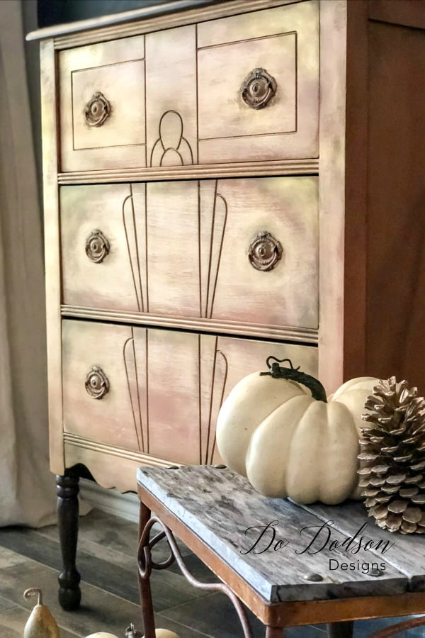 You would have never believed that a thrift furniture find would turn out this lovely with a little elbow grease. Layers of goodness!