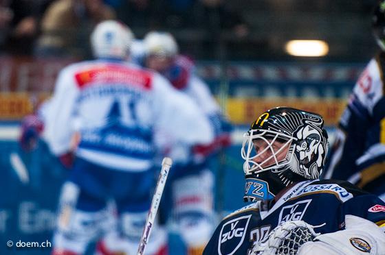Jussi Markkanen (vorne, EVZ) ZSC (hinten) Torjubel