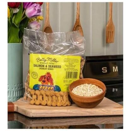 060525770142 Betty Miller Salmon and Seaweed Bones 500g Biscuit Treats