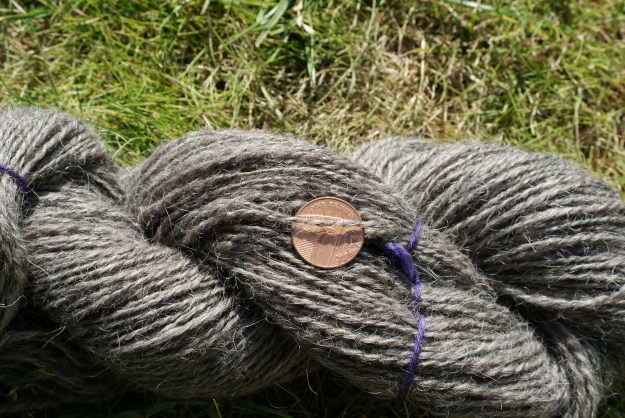 http://www.ravelry.com/people/fak/handspun/dark-grey-icelandic-top