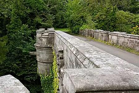 Overtoun Bridge where more that 600 dogs have jumpe