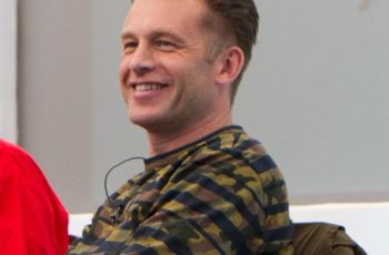 TV Presenter Chris Packham Says Britain Not so Dog Friendly After All 2