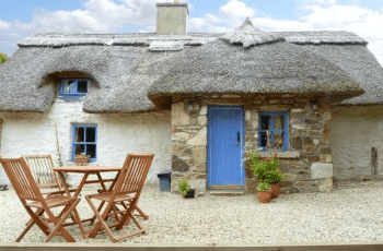 These 5 Stunning Holiday Rental Properties Are Dog Friendly 2
