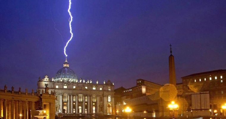 <i>Roma è con il Papa</i>. Risposta ad Aldo Maria Valli