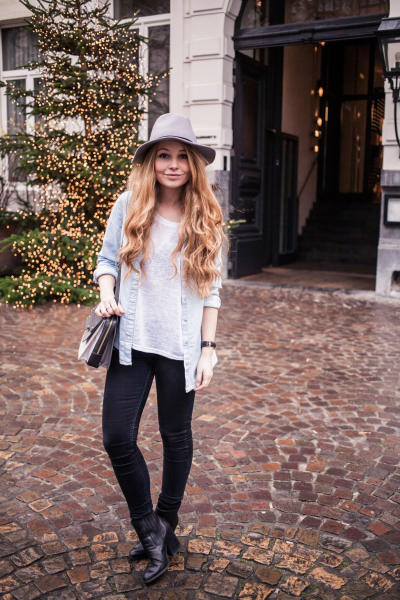 Dogs and Dresses furry coat grey hat outfit streetstyle 4