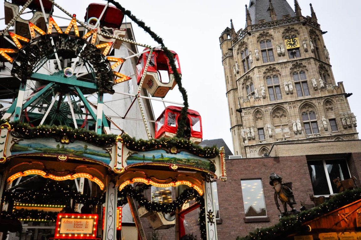 Dogs and Dresses visits Cologne and its Christmas Market near the Hotel Mondial am Dom-18