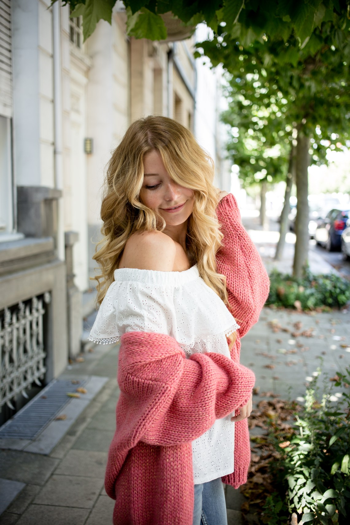 Chunky_cardigan_offshoulder_top-28